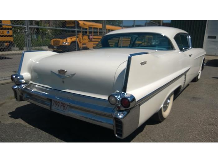 716090_21318999_1957_Cadillac_Series+62