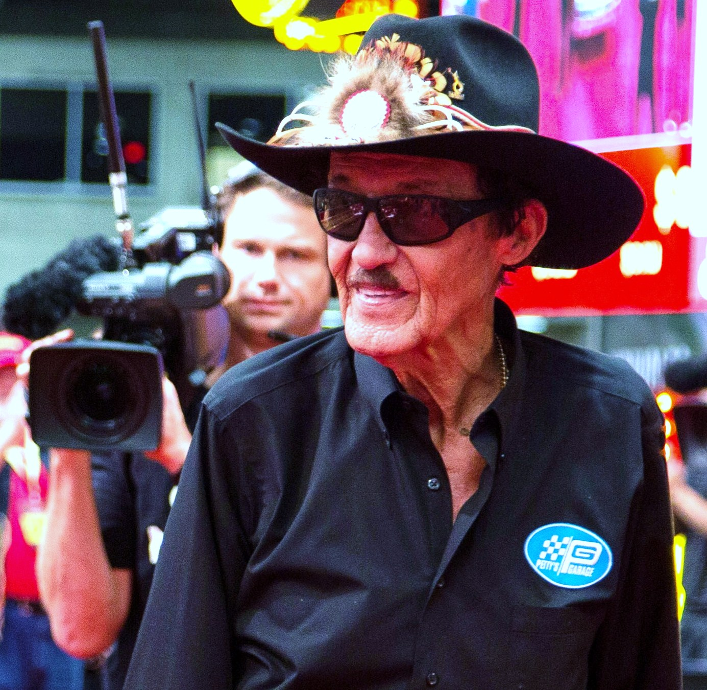 Richard Petty For Sale: Richard Petty Charity Mustang Sale Wows Mecum's Dallas