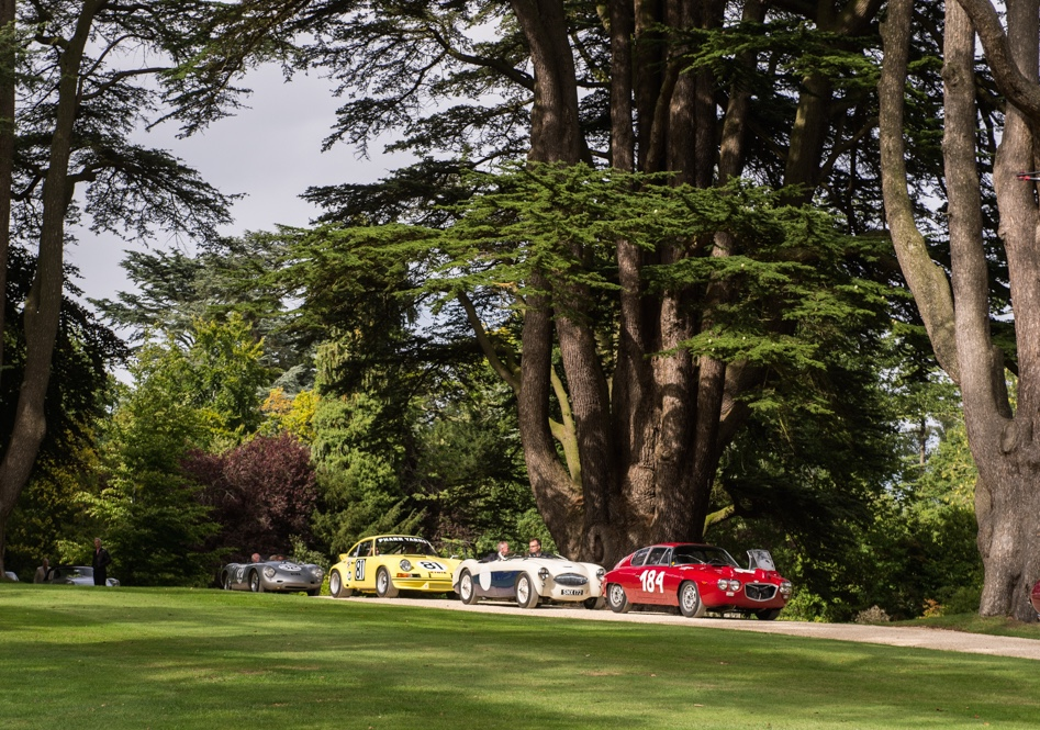Salon Prive entrants parade through the park | Photos by Dirk De Jager