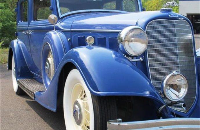 1934 Lincoln K Town Sedan V12
