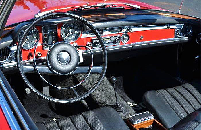The 230SL boasts an attractive and well-equipped interior