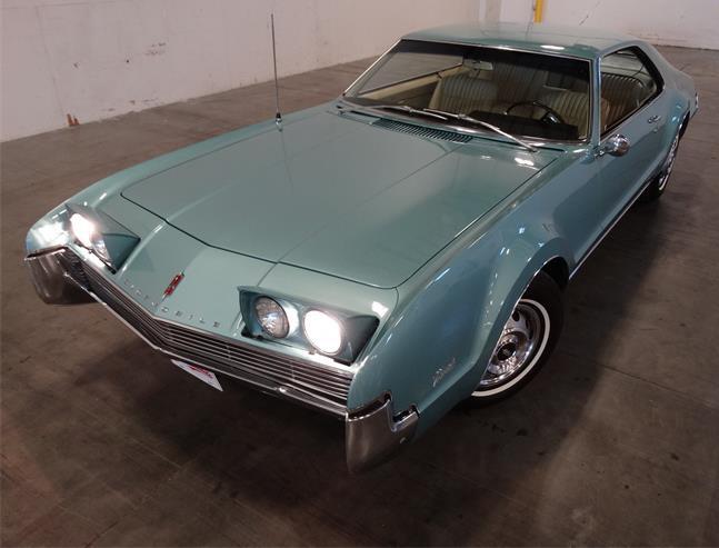 721336_21444215_1966_Oldsmobile_Toronado