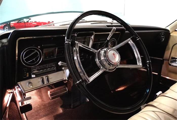 721336_21444221_1966_Oldsmobile_Toronado