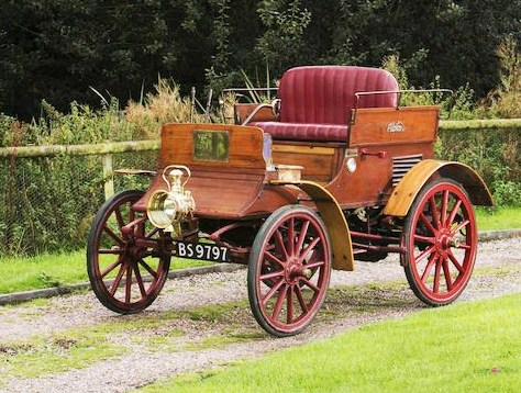 The 1901 Albion A1 Dogcart scored a high sale for a 114-year-old car