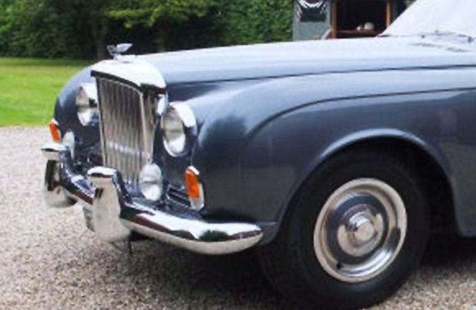 Bandleader's Bentley S2 stars at Barons' auction