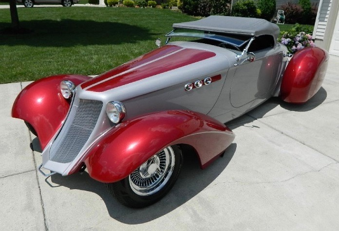1935 Chrysler Auburn boattail speedster