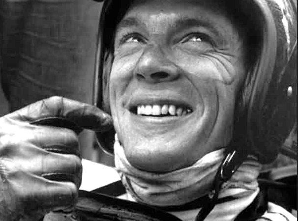 Racing legend Dan Gurney receives Lifetime Achievement Award