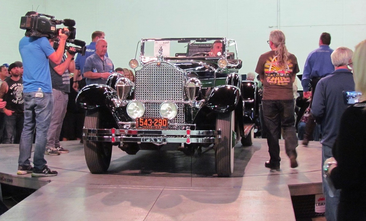 Richard Rawlings drives his '29 Packard onto the auction block | Larry Edsall photos