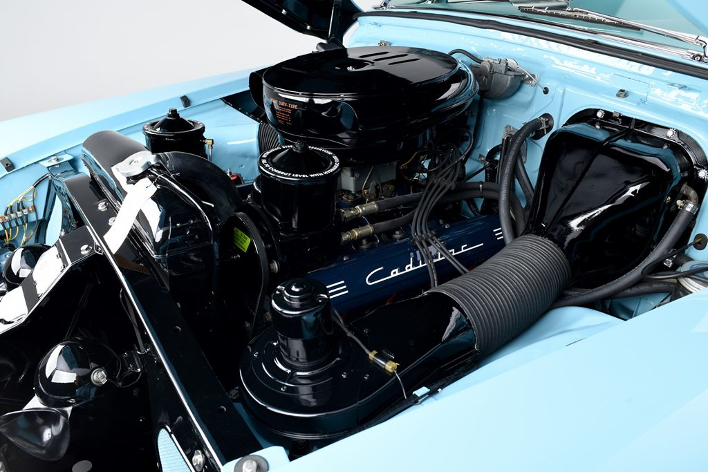 53Cadillac_Engine