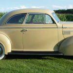 753244_22219279_1939_Chrysler_Royal