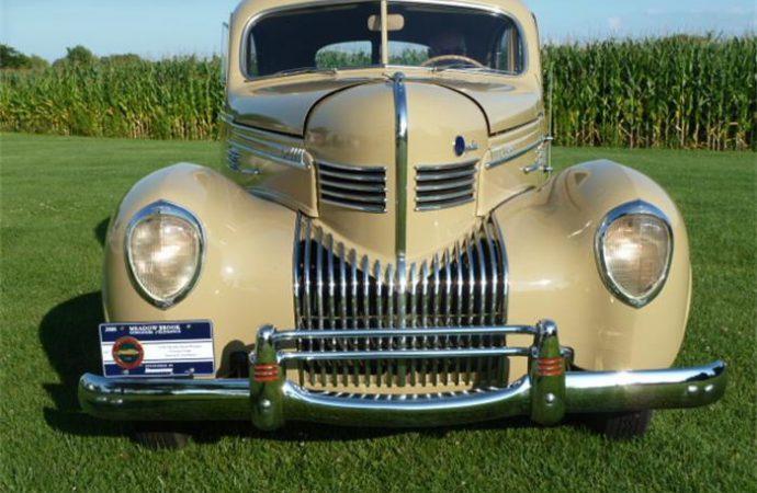 1939 Chrysler Royal Windsor Towne coupe