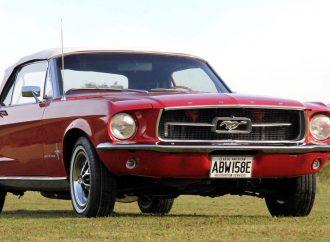 '71 E-type brings highest price at British CCA sale