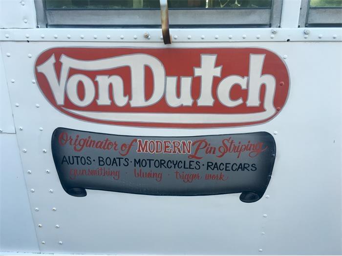 758134_22324974_1950_Von+Dutch_Bus