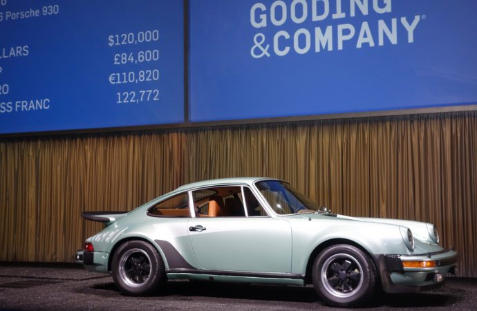 In Arizona, bids on 911s, E-types show changing marketplace