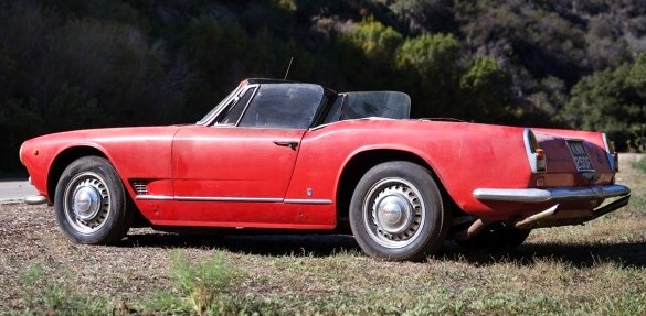 The Maserati is offered as a restoraiton candidate