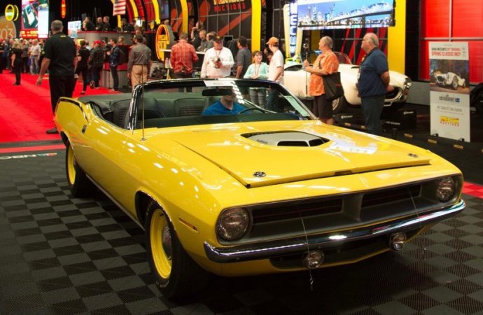 Muscle cars dominate sales list as Mecum exceeds $90 million in hammer prices at Kissimmee