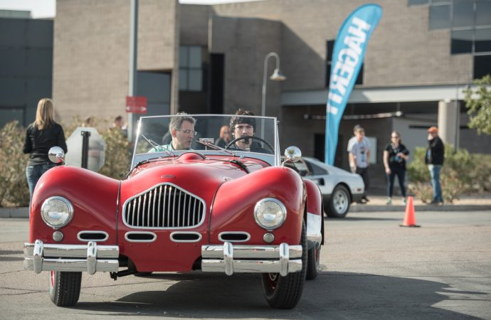 Students learn to shift for themselves in concours cars