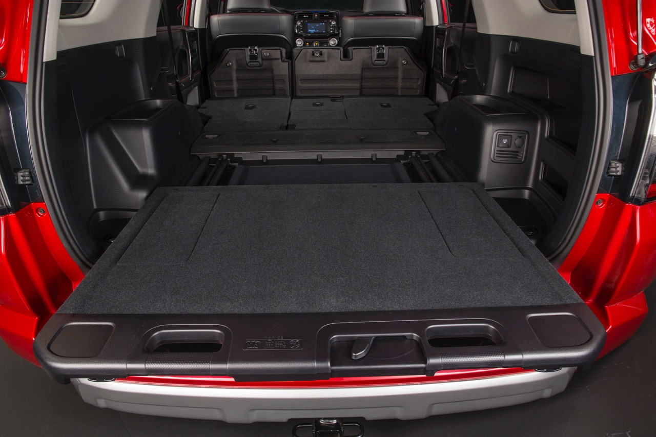 2014_Toyota_4Runner_Trail_017