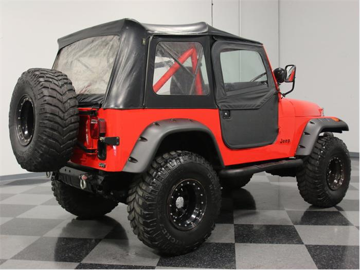 768677_22546507_1983_Jeep_CJ7