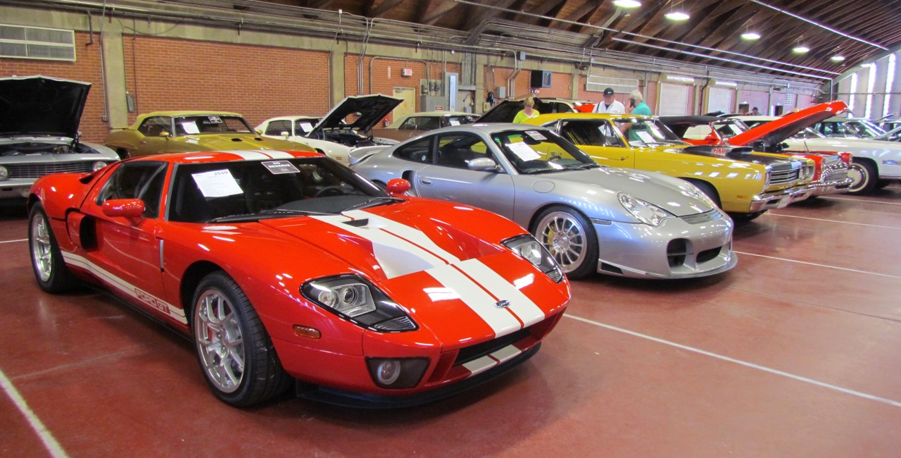 Low-mileage Ford GT from Tom Falbo Collection tops the sales chart at Leake's OKCity auction | Larry Edsall photos