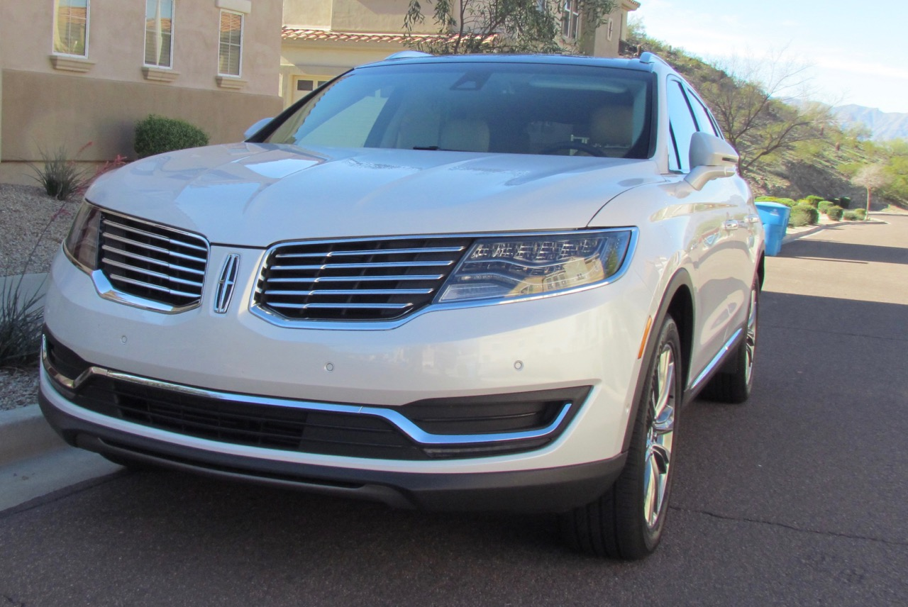 2016 Lincoln MKX | Larry Edsall photos