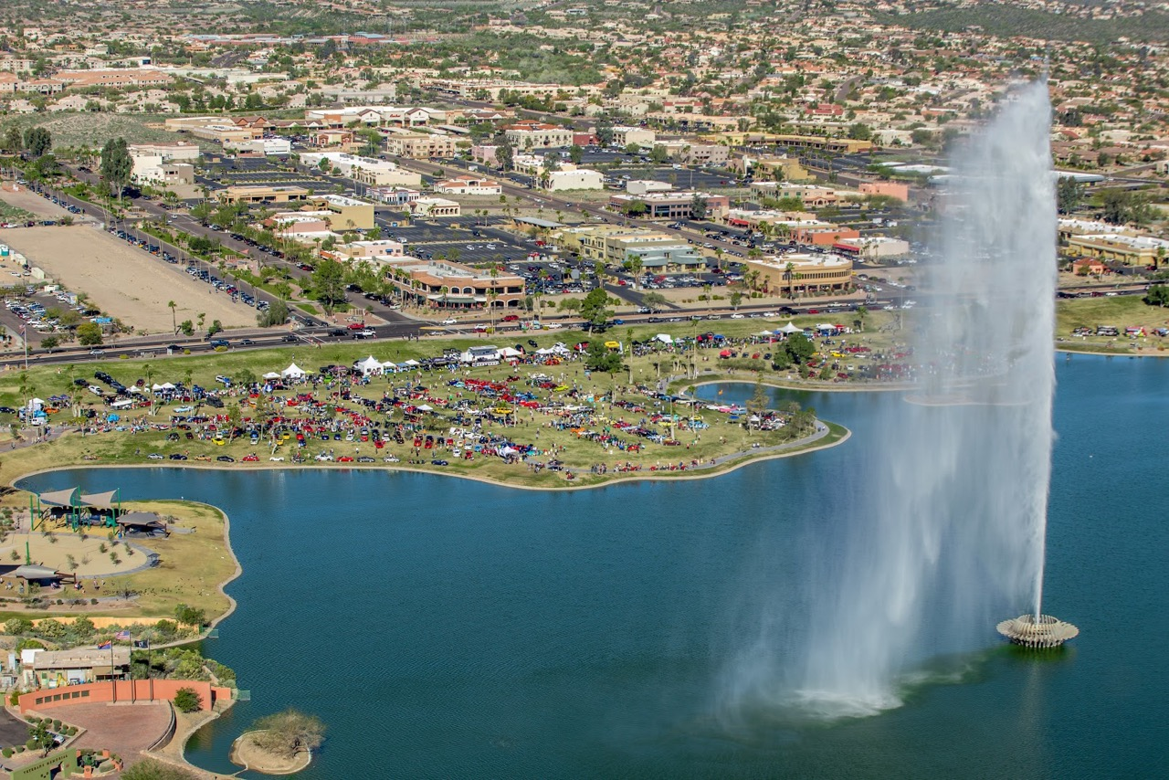 Aerial view of the Fountain Hills fountain and concours venue | Concours photo