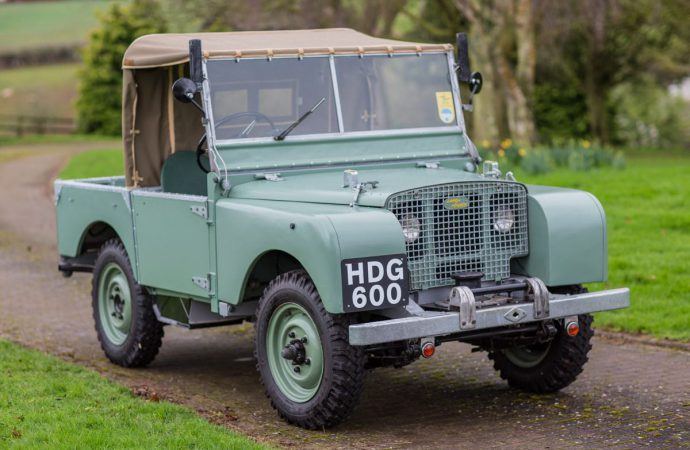 Hometown heroes: Land Rovers do well at Silverstone sale