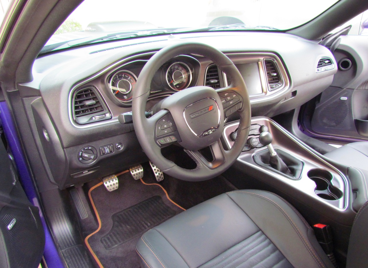 Leather interior, big touch screen and 6-speed manual