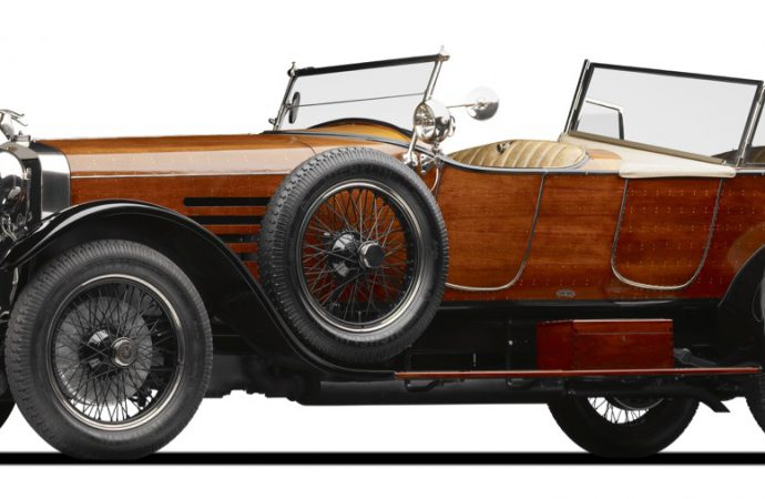 Mullin museum celebrates Belle Epoque cars and carriages