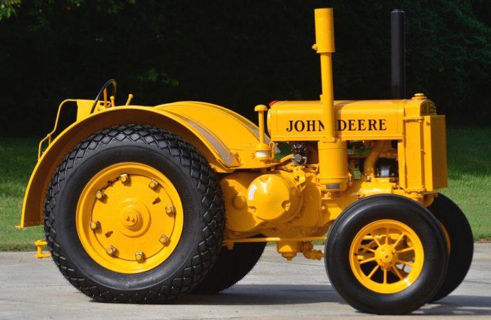 Vintage tractors popular at Mecum's Gone Farmin' sale
