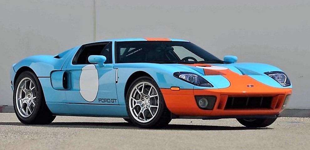 A 2006 Ford GT Heritage Edition topped Mecum's sale with a $425,000 bid | Mecum Auctions
