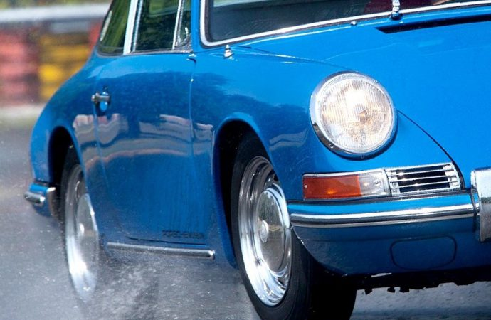 Porsche teams with Pirelli on modern tires for its vintage cars