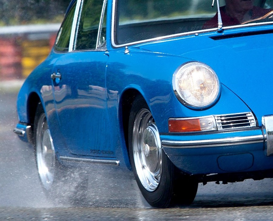 Porsche teams with Pirelli on modern tires for its vintage cars ...