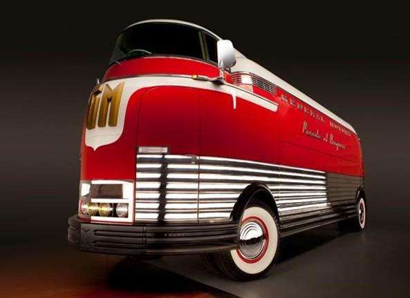 836544_23696787_1939_General+motors_Futurliner