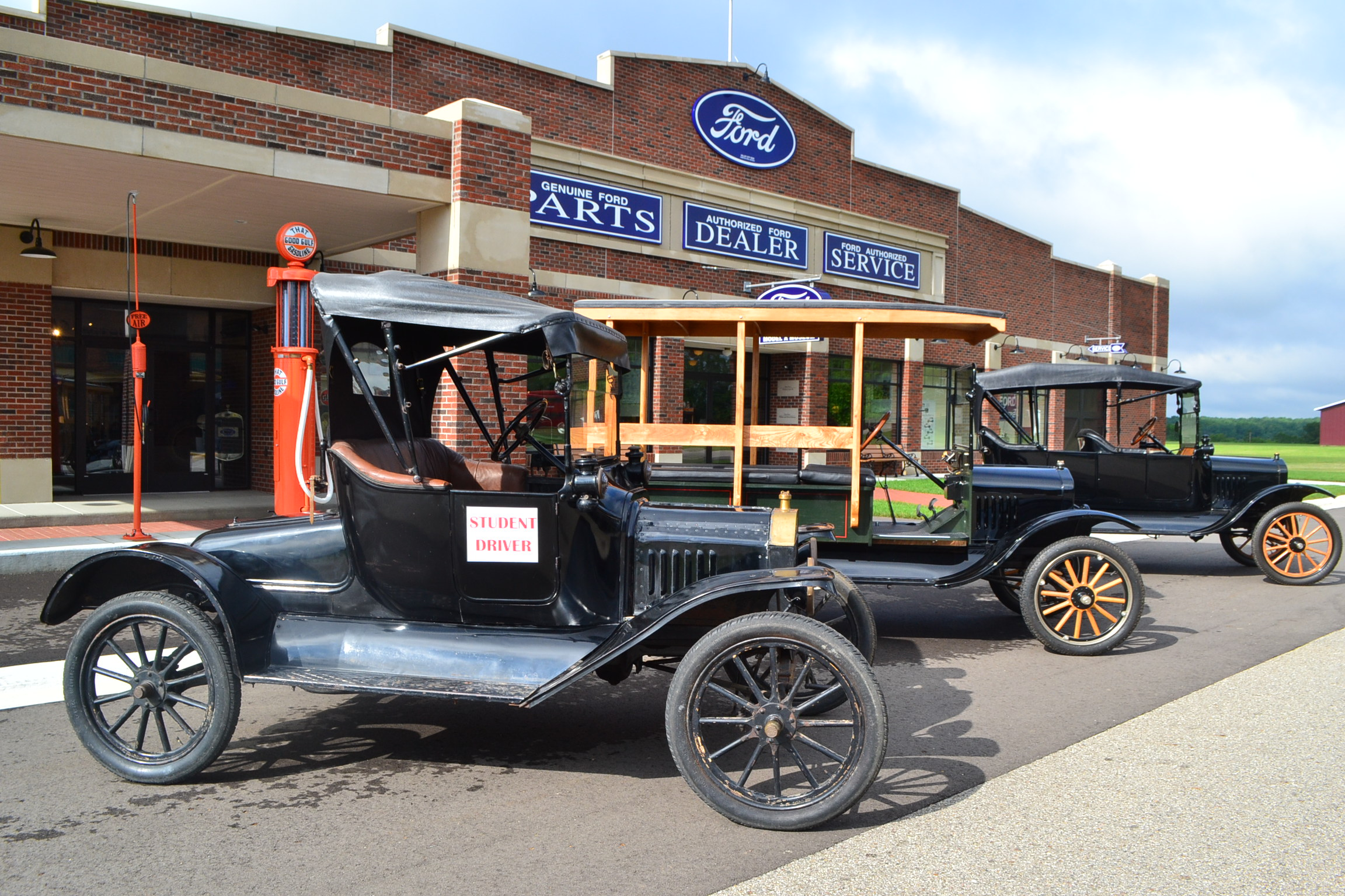 Gilmore, California, LeMay Marymount offer Model T driving classes ...