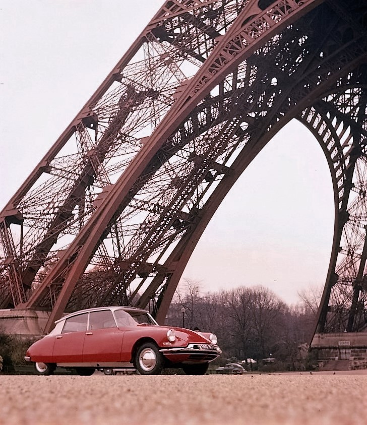 A classic Citroen DS19 at the Eiffel Tower | Citroen