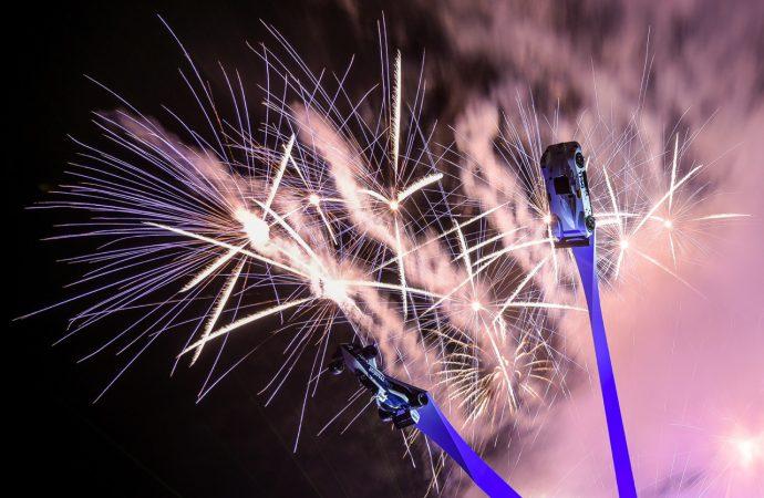 Goodwood Festival opens by unveiling BMW centennial sculpture