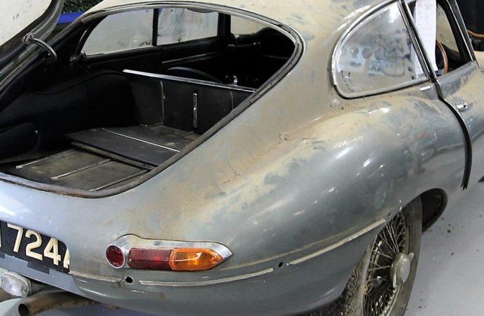 'Barn find' Jaguar XK-E reigns at British auction