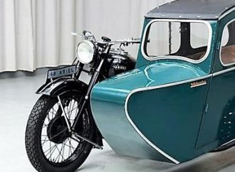 1948 Ariel Square Four with Watsonian sidecar
