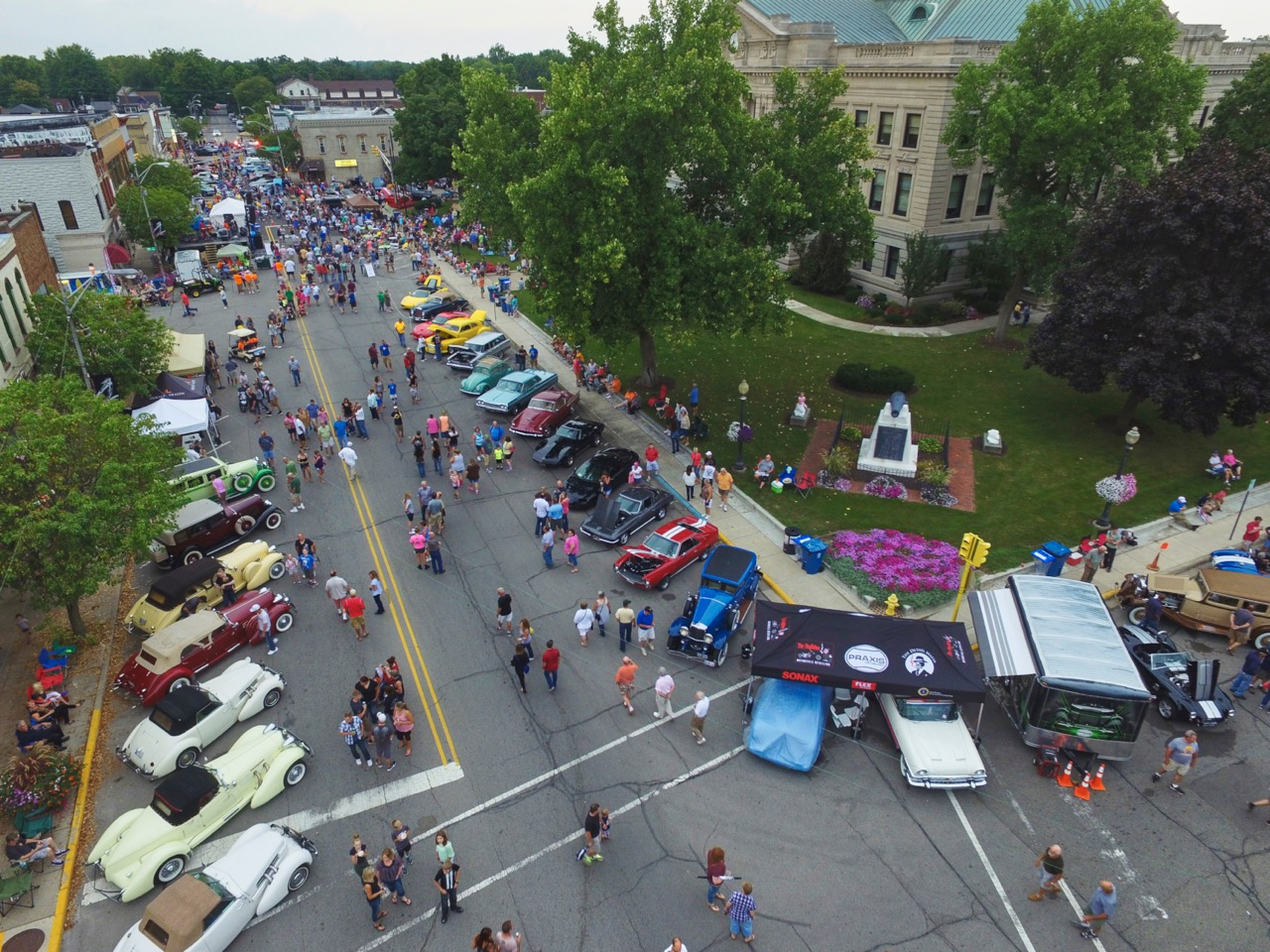 Auburn, Cord and Duesenberg are line downtown streets | ACD Festival photos