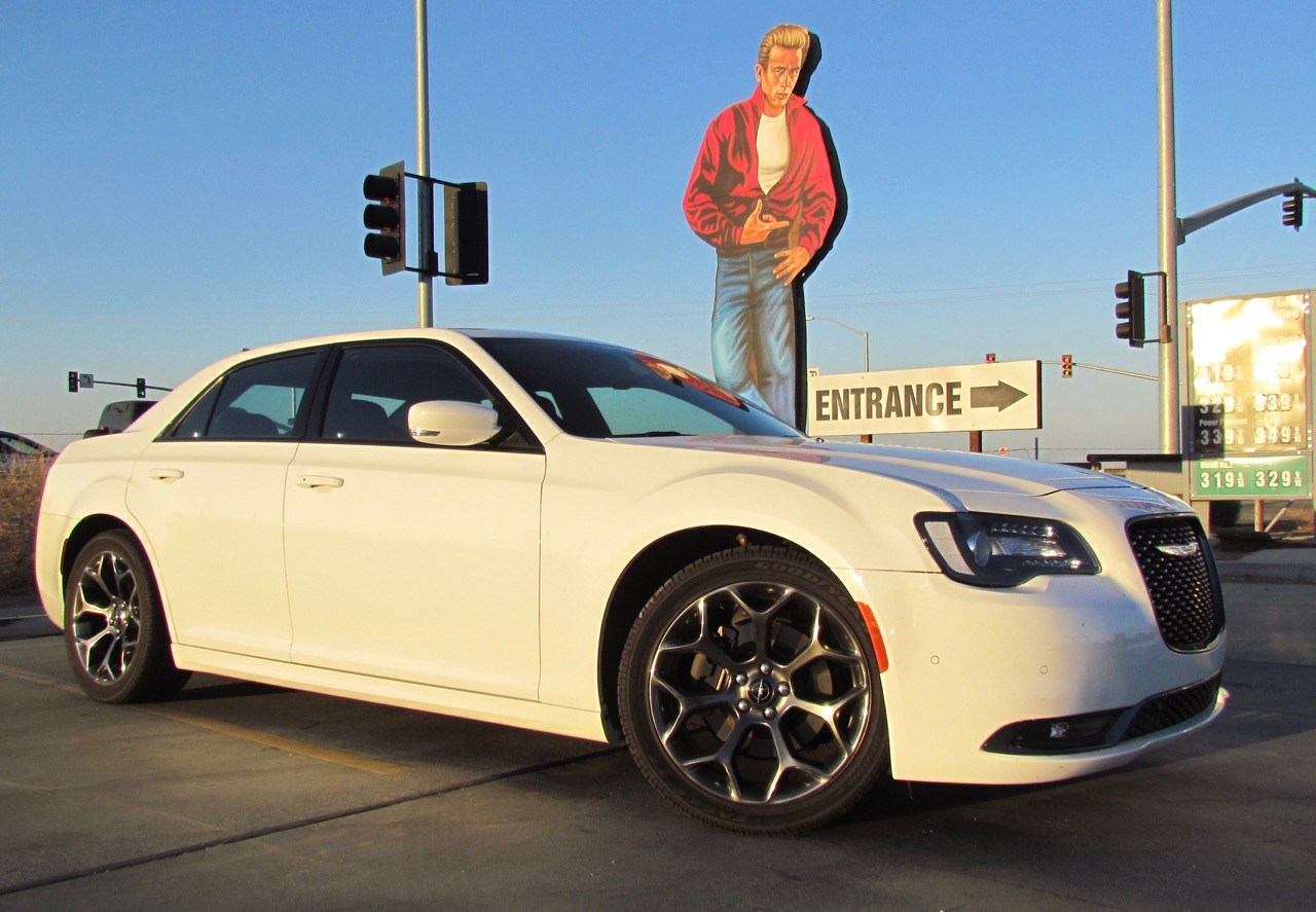 2016 Chrysler 300S gets a thumb's up from James Dean (or at least his sign) | Larry Edsall photos