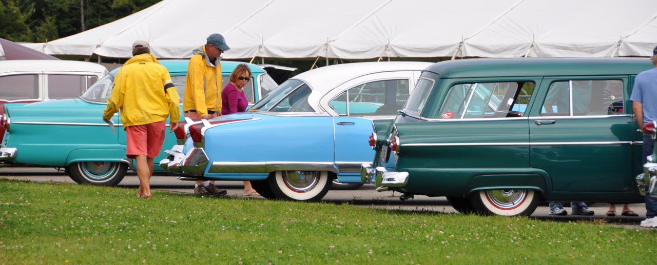 Bidders check out cars at the 2015 New England auction | Owls Head museum photos