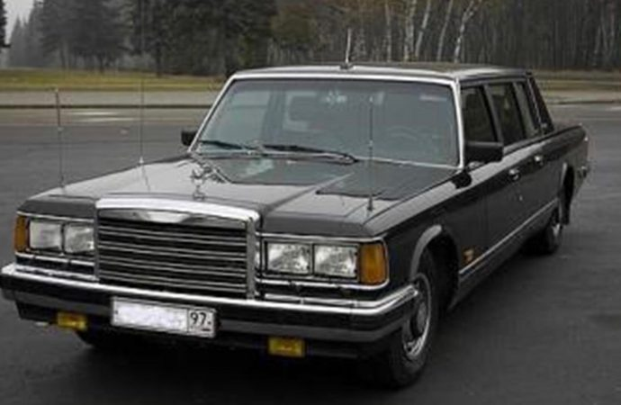 1989 AMO Zil 41502 armored limousine