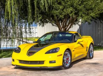 Corvettes cruise into Dan Kruse' 42nd Hill Country Classic