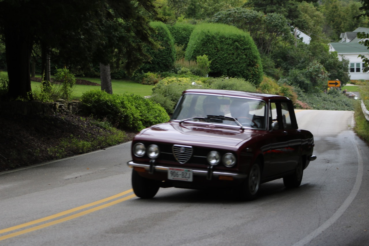 Typical Alfa body roll -- stable but neutral handling up the hill | Photo by ronaldnelson.zenfolio.com