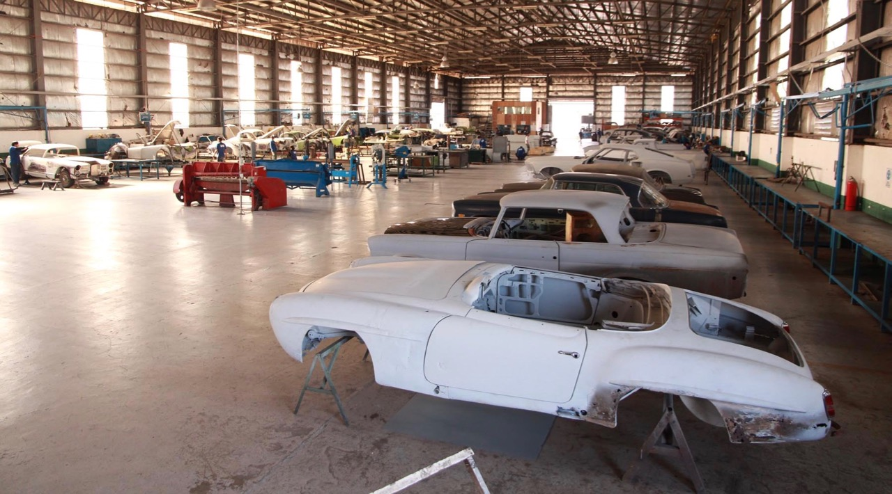 A peek inside the world\'s largest classic car restoration shop ...