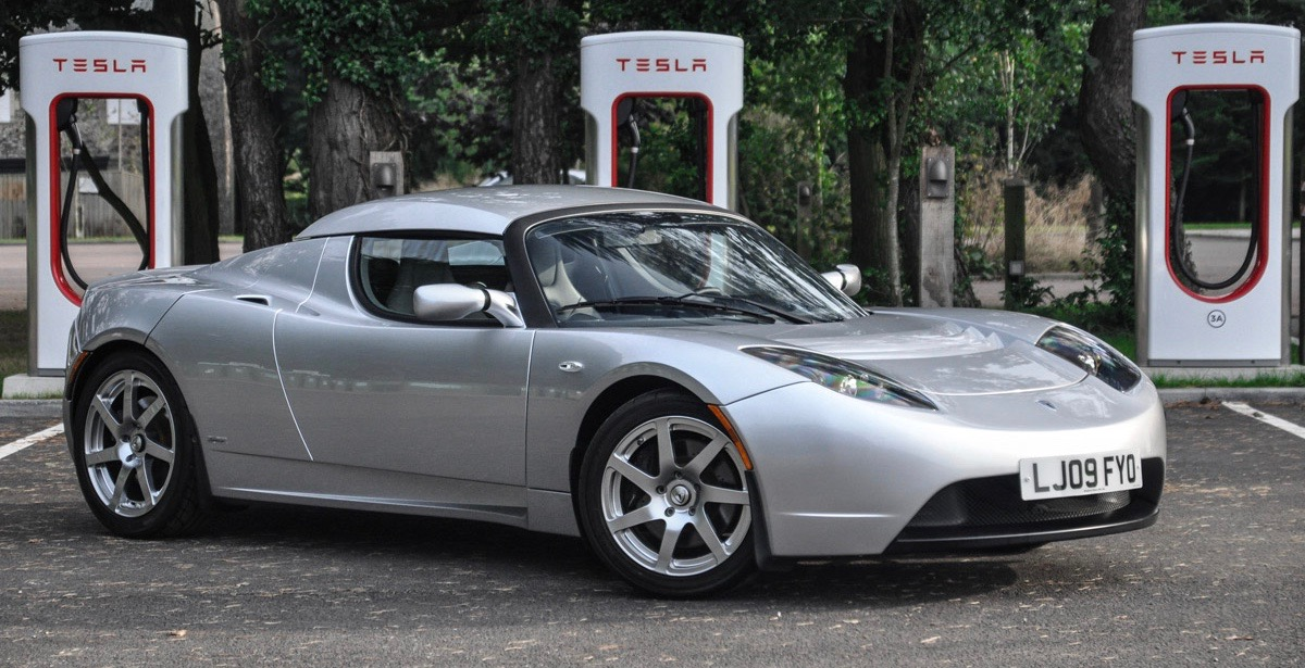2009 Tesla Roadster 'Signature Edition' brings $56,735 at collector car auction | Toys photos