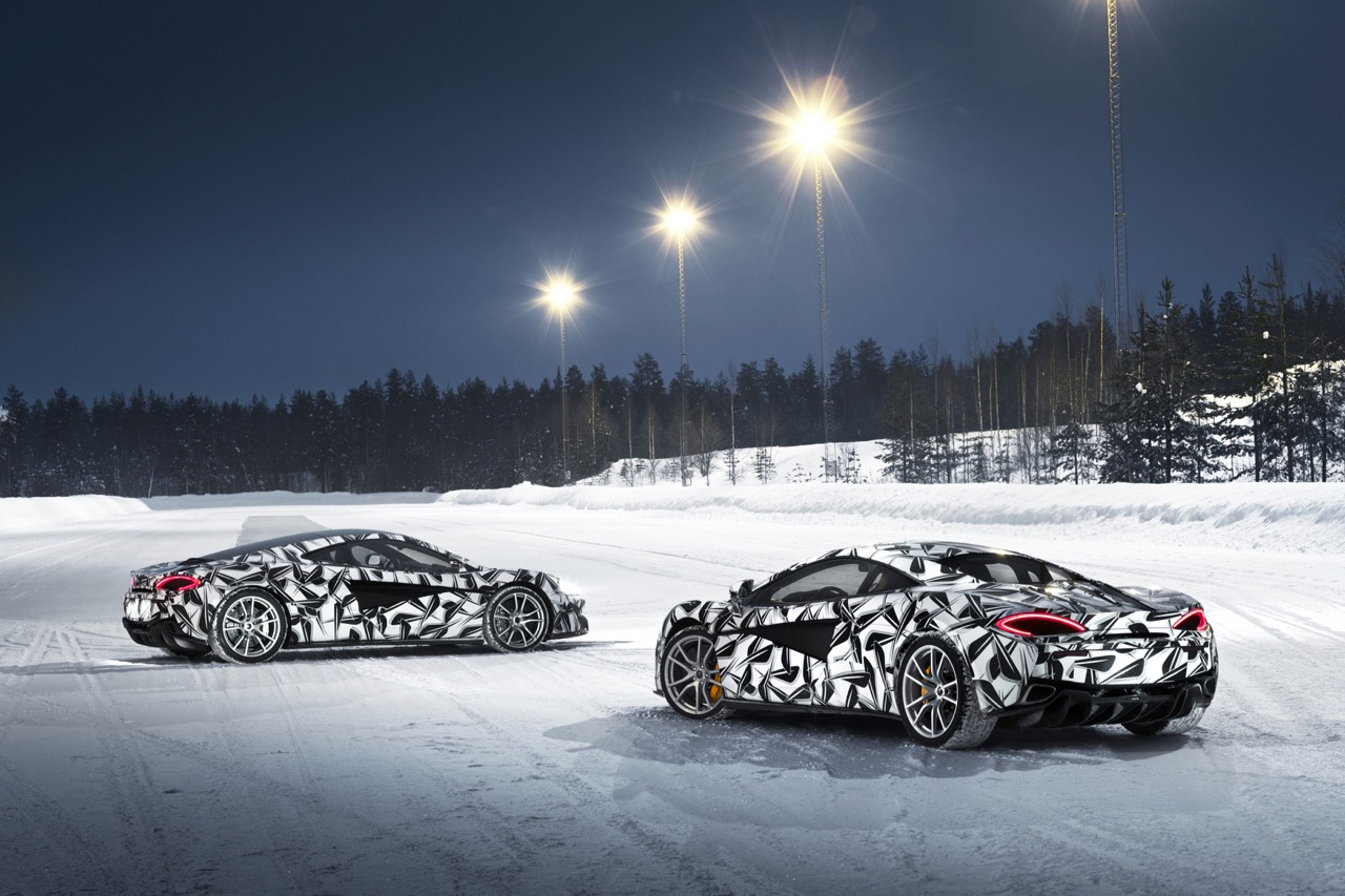McLaren offers a winter driving school using 570S coupes | Pure McLaren photo