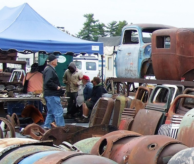 Sprawling Hershey Collector Swap Meet Car Show This Week - Hershey car show