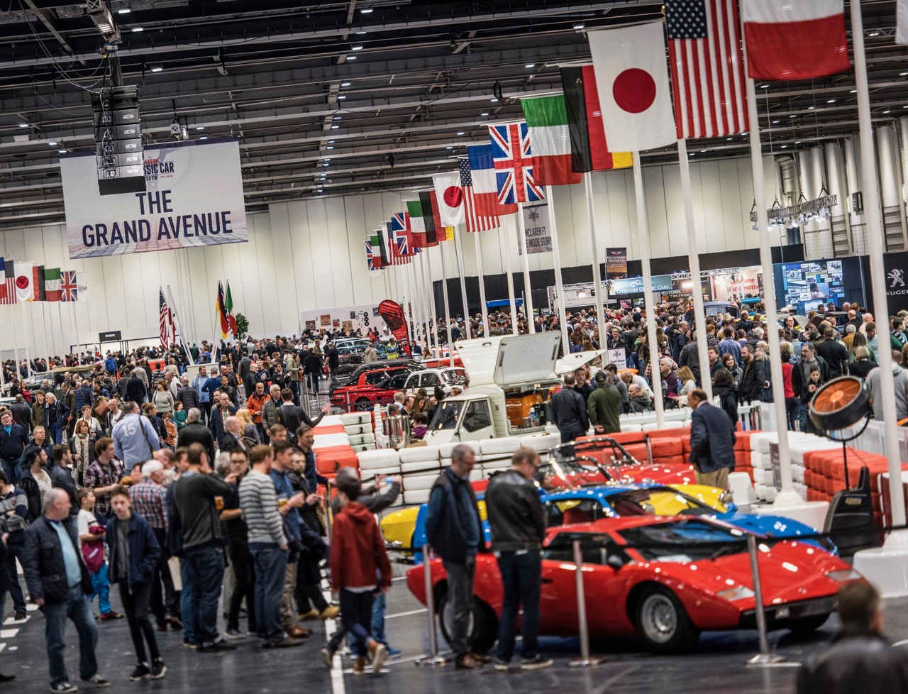 London Classic Car Show draws a crowd to see the cars, and adds a racing exhibition for 2017 | Show photos